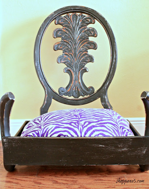 Repurposed Chair Dog Bed featured at Talk of the Town at KnickofTime.et