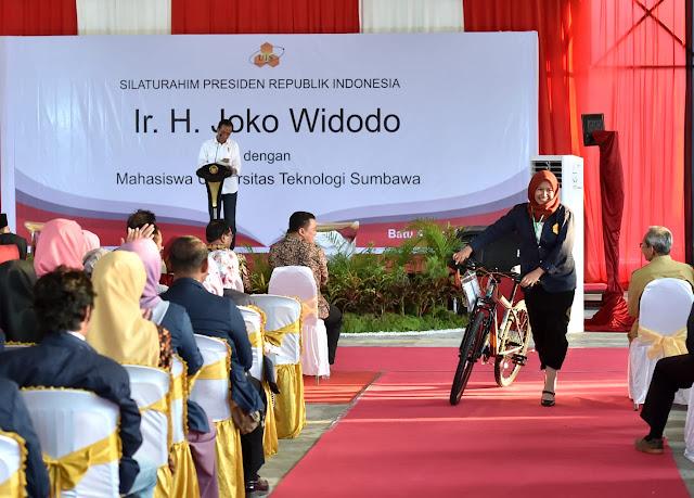 Jokowi: Anak Muda Harus Berani Berinovasi