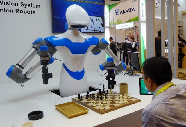 """For """"intelligent"""" robot, chess is just a hobby"""