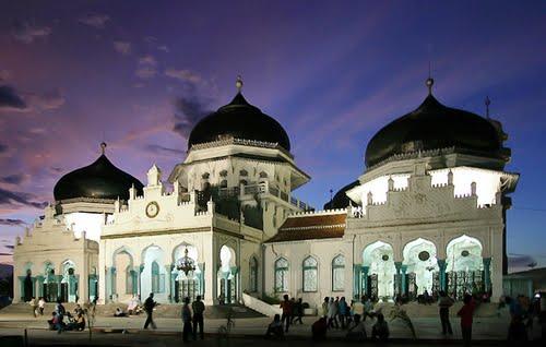 Gerakan Memakmurkan Masjid Masjid Baiturrahman Banda Aceh