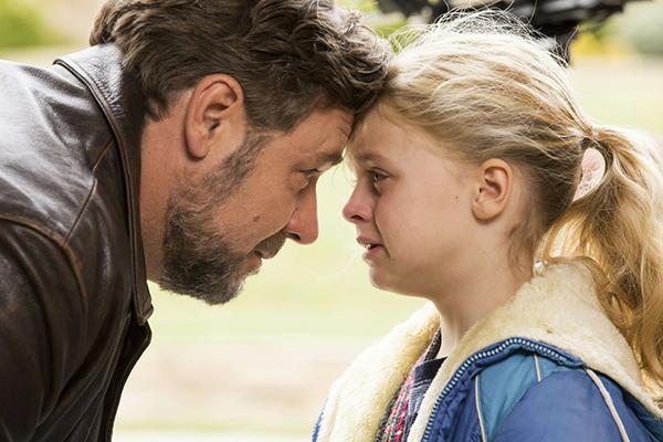https://4.bp.blogspot.com/-ocwHAmLqF7k/V296MzAwsbI/AAAAAAAAHoU/8QTXqg_2cE0LsQ8Z5cItok9f2GOojmeNQCLcB/s1600/Fathers-and-Daughters-Movie%2B.jpg