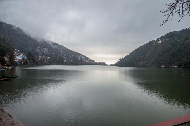 A rainy morning at Naini Lake