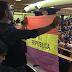 IU despliega una bandera republicana en el discurso del rey Felipe VI en el Congreso