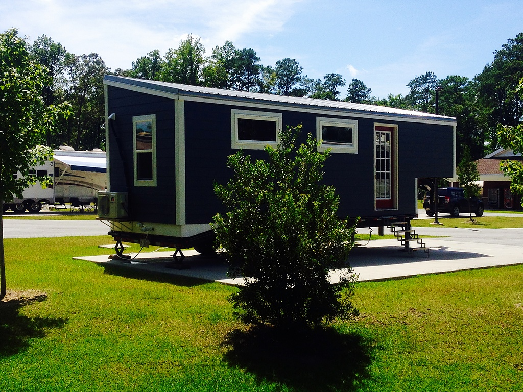 Tiny Home Designs: TINY HOUSE TOWN: Lowell Fifth Wheel Tiny Home