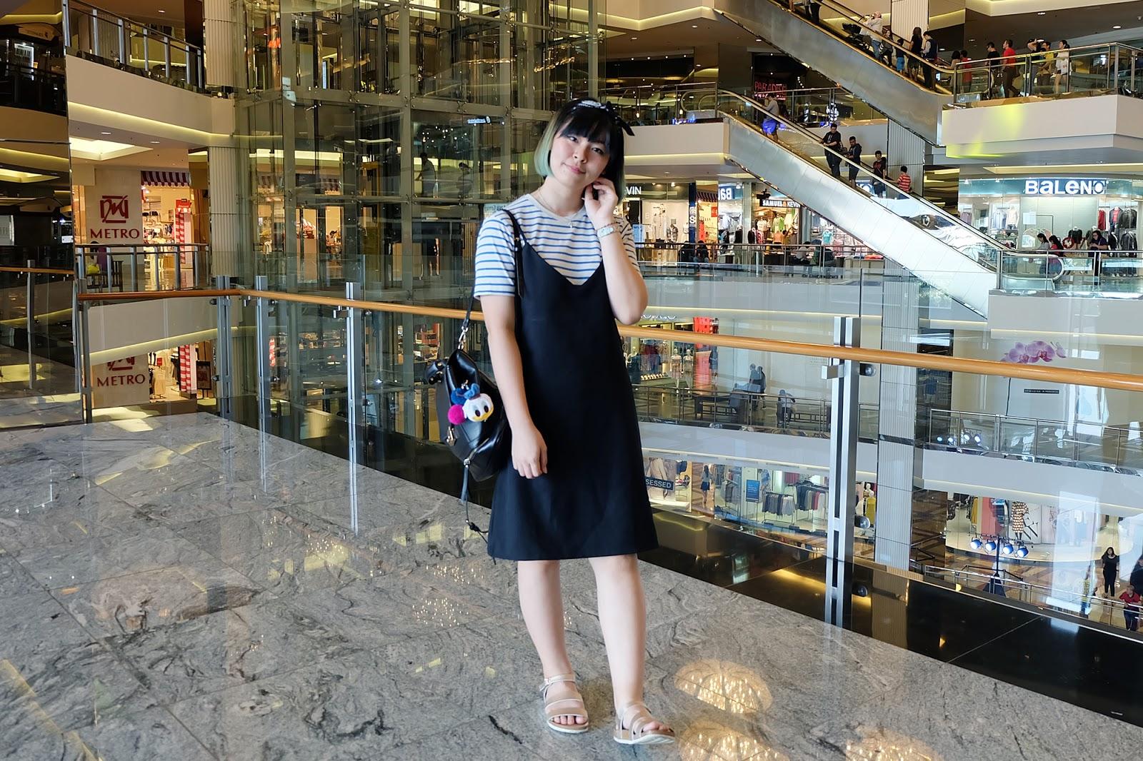 how to wear a black slip dress casual look | www.bigdreamerblog.com