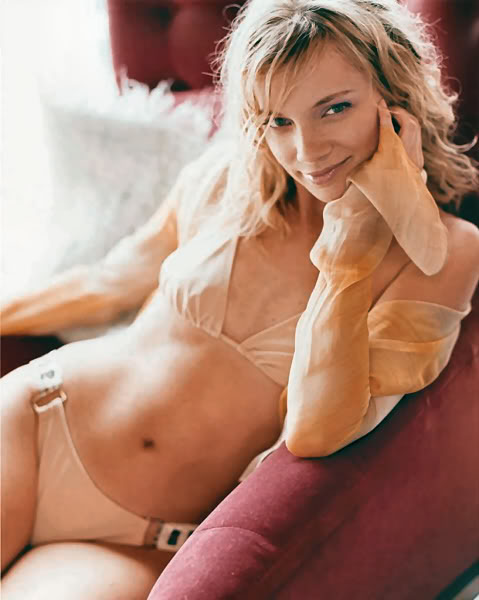 Amy Smart Giving A Blowjob 119