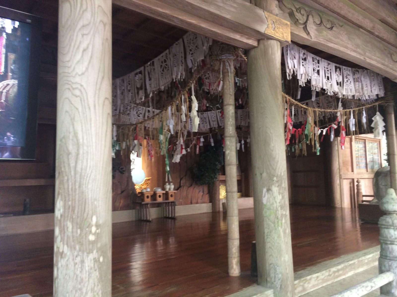 「無形文化財 天岩戸神楽」が踊られる、「神楽殿」