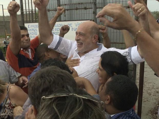 Já em liberdade, Prefeito de Santa Inês que foi preso por estuprar jovem de 18 anos