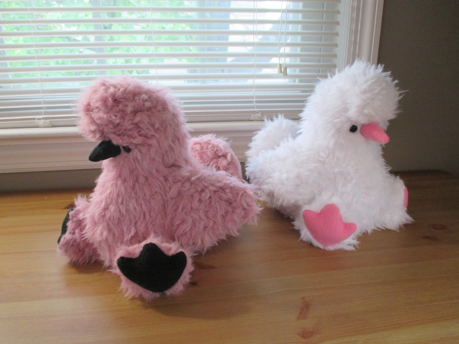 Fleece Menagerie: Pink Silkie Chicken and White Silkie ...