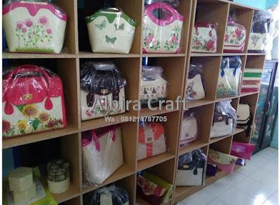 Tas dan Dompet Pandan murah Decoupage Albira Craft Padalarang Bandung