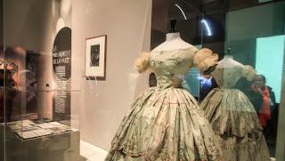 Robe de grisette : années 1830