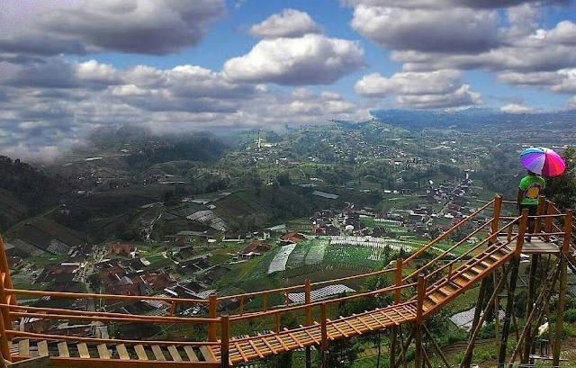 pemandangan gardu pandang bukit gancik