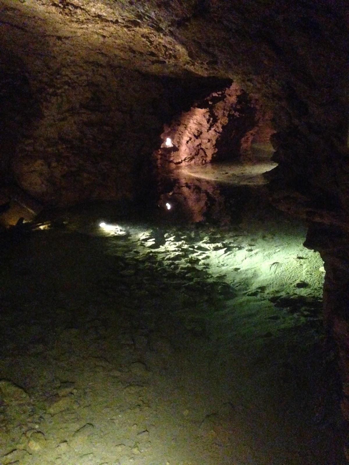 grottes de la balme, lac souterrain