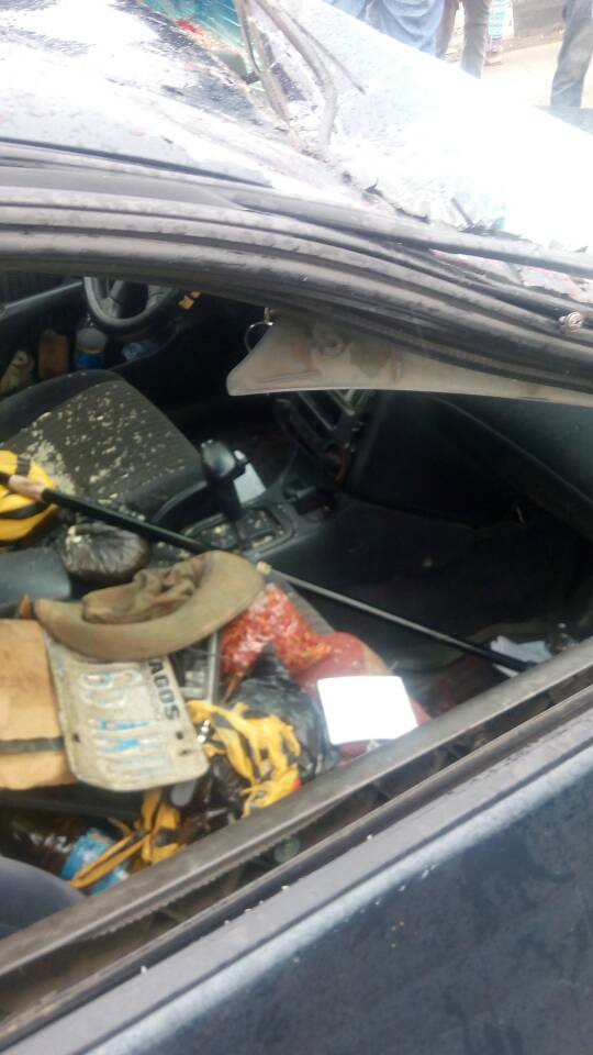 RRS Bikers saved a family whose car somersaulted in Ketu, Lagos (Photos)