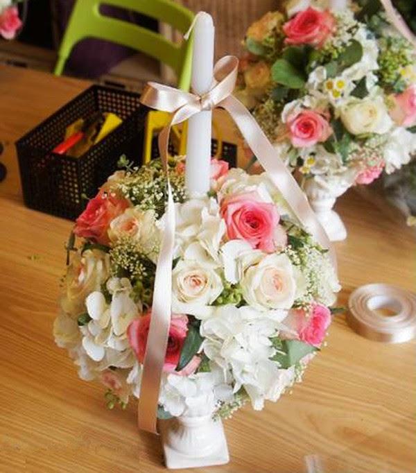 C mo hacer un arreglo floral con velas para boda - Hacer un centro de flores ...
