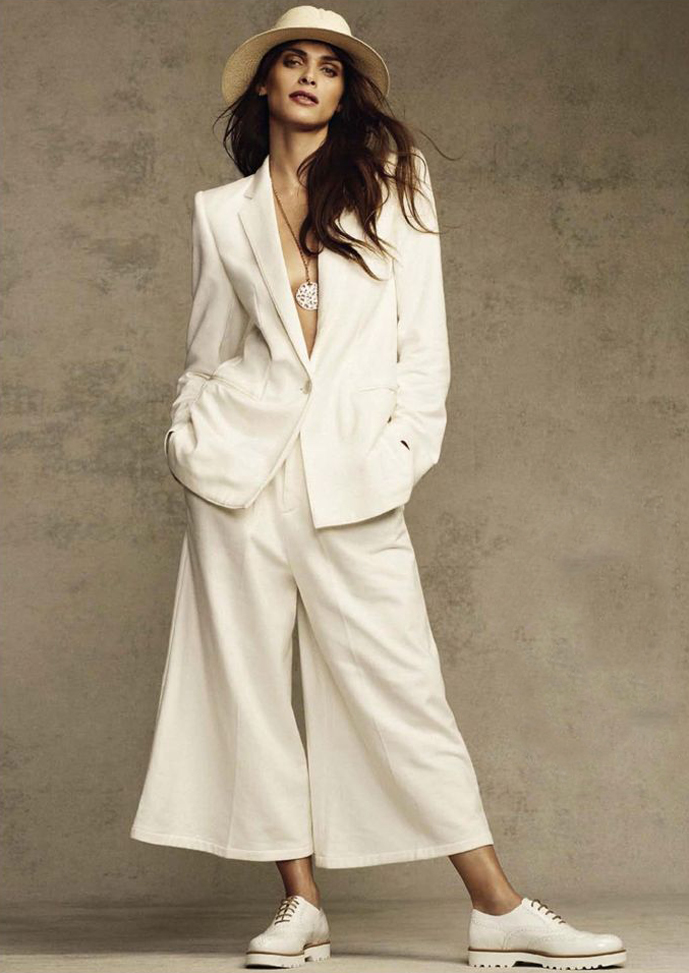 Two elegant and relaxed ways to style a white suit for summer /  Photo: Elisa Sednaoui in Glamour Italia March 2015 (photography: Alvaro Beamut Cortes, styling: Sascha Lilic) via www.fashionedbylove.co.uk