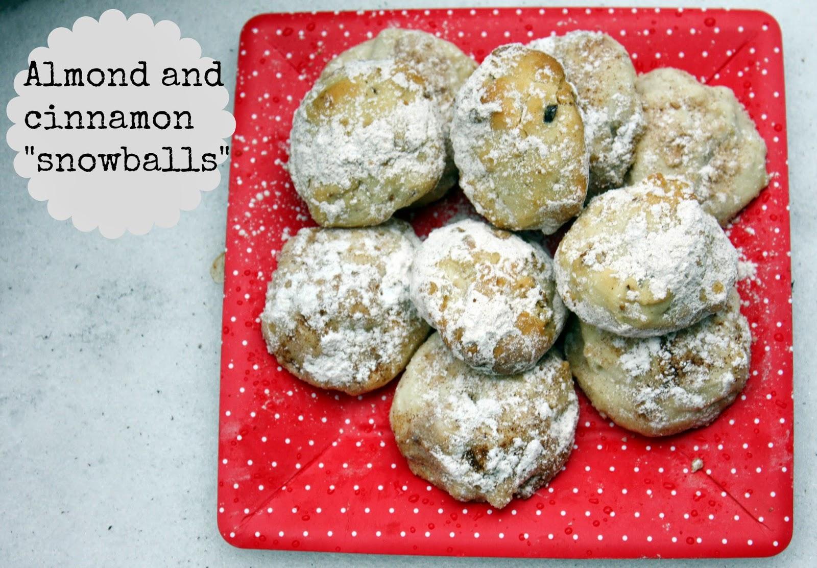 Almond and cinnamon snowball cookies