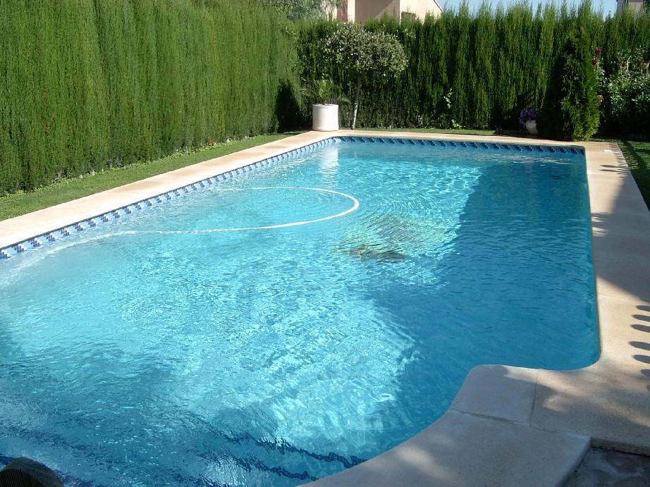 Decoraciones y afinidades modelos de piscinas modernas 2012 - Fotos de piscinas ...