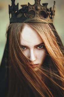 Resultado de imagen para la reina impostora reseña