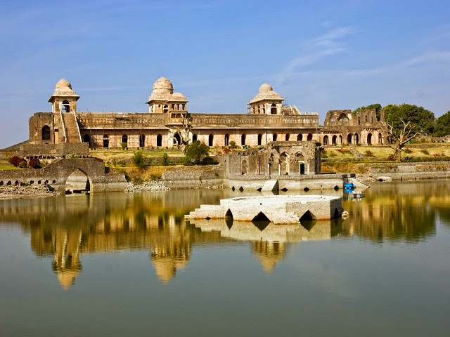 Mandu- Honeymoon and Adventure at Once