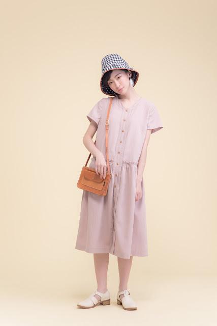 莫比斯圓環花圈排釦純棉短袖洋裝