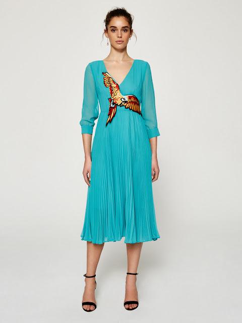 http://www.casualchic.es/es/productos/detalles/vestido-midi-plisado-con-bordado/3485