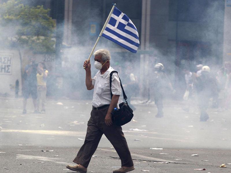 La crepa nel muro l 39 europa della vergogna nascosta la for Greca adesiva per muro