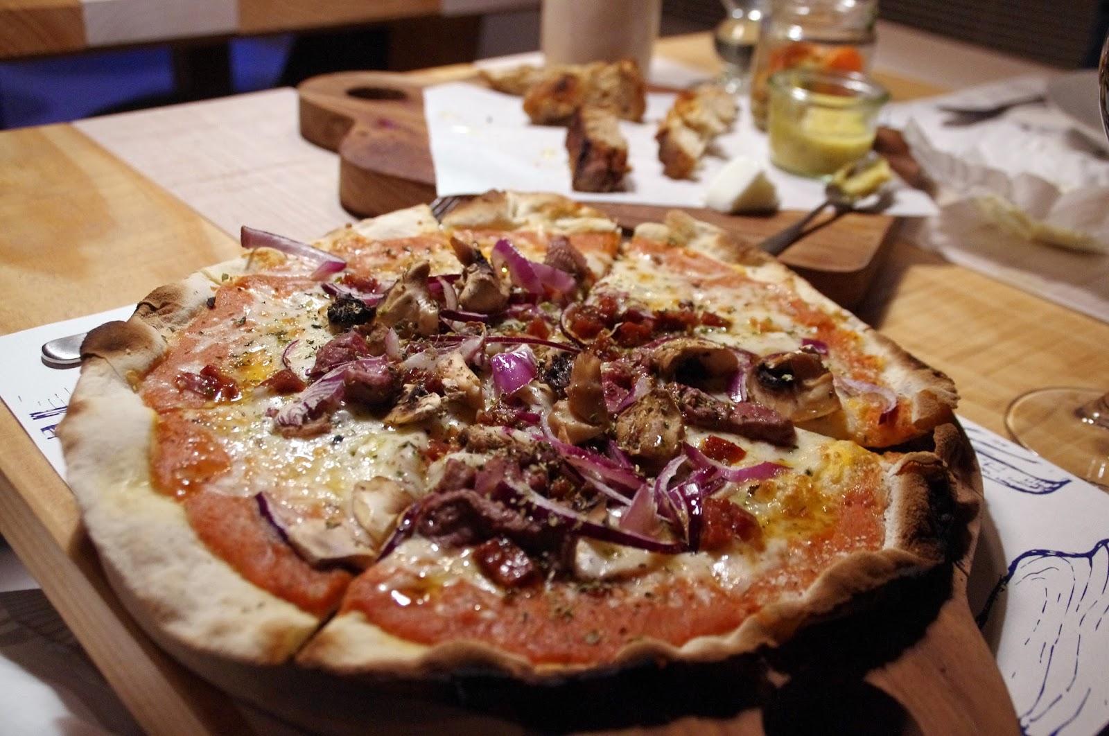 Pizza at À Terra Restaurant Vila Monte Portugal