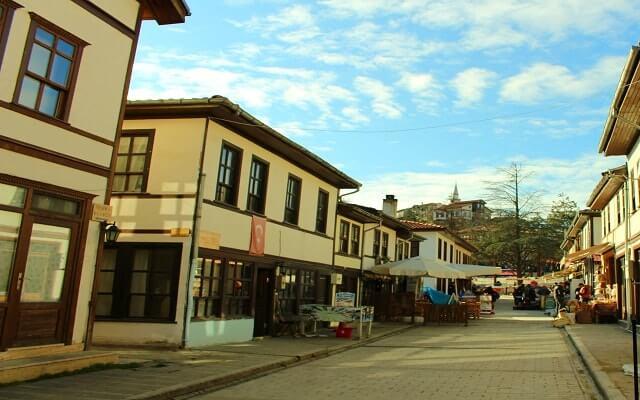 Taraklı sokakları
