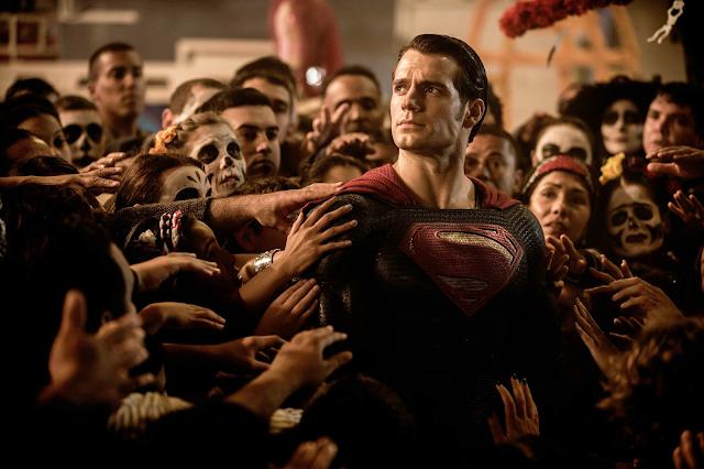 Henry Cavill în Batman V Superman: Dawn Of Justice