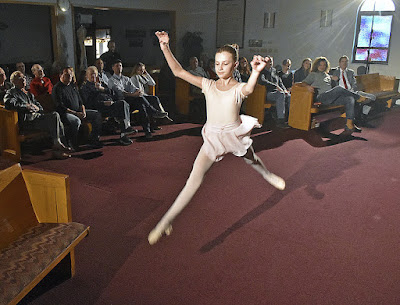 photo credit brad davisthe register heraldyoung actress and performer brooklyn nelson dances as she and jcfilms crew members film scenes for a movie