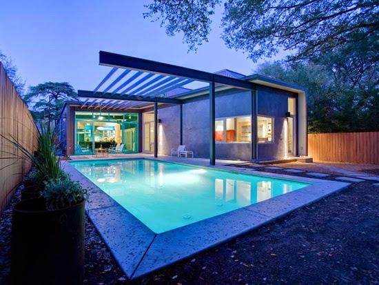 Contoh Kolam Renang Minimalis Belakang Rumah