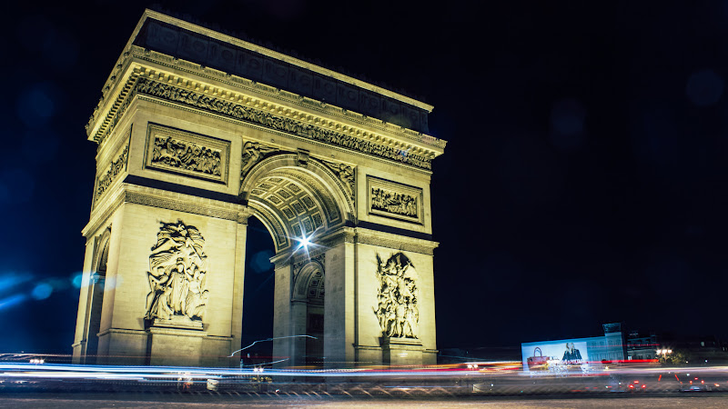 The Arch of Paris HD