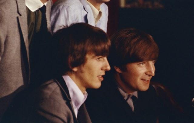 Por que acabou a amizade entre John Lennon e George Harrison?