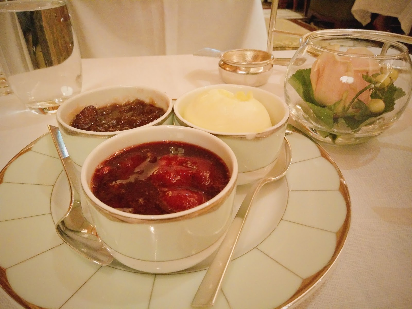 Tea at the Dorchester scones