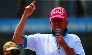 """""""No hablaremos de diferencias que hay en otros partidos. Lo único que sí puedo decir, es que para el 2021 no habrá ningún pariente mío -o sea, un Kuczynski- participando en las elecciones"""", aseguró."""