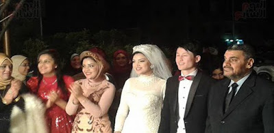 العروسان فى حفل الزفاف