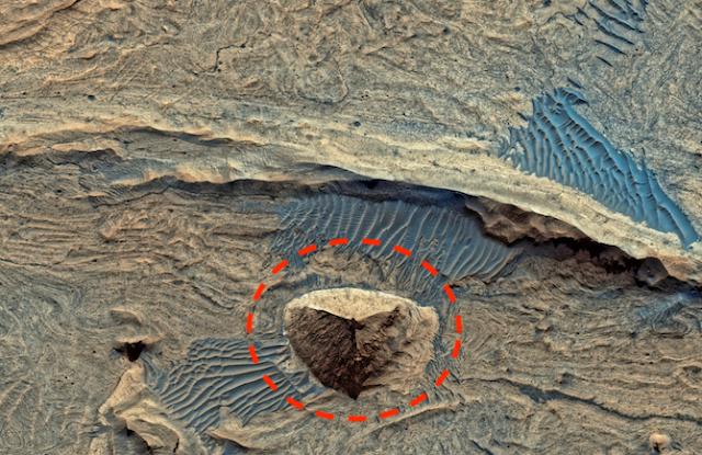 Giant Ancient Pyramid Found On Mars In HD Photo Eagle%252C%2Bnebula%252C%2Bfigure%252C%2Bgod%252C%2Bgodly%252C%2Bfairy%252C%2Baliens%252C%2Balien%252C%2BET%252C%2Bplanet%2Bx%252C%2Bpyramid%252C%2BMars%252C%2Bsecret%252C%2Bwtf%252C%2BUFO%252C%2Bsighting%252C%2Bevidence%252C%2B3%2Bcopy2