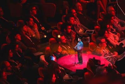 Ο Βαγγέλης Αυγουλάς και το κοινό του TedxAthens