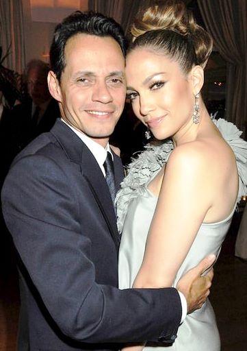 Foto de Marc Anthony abrazando a Jennifer López