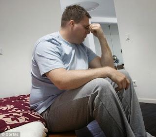 """<img src=""""tener-sobrepeso.jpg"""" alt=""""tener sobrepeso implica sufrir de depresión a la vez que se pone en riesgo tu salud"""">"""
