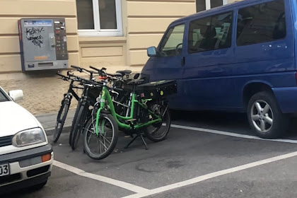 Do cyclists have to solve a parking ticket?