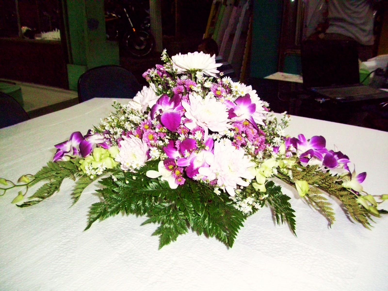 HAND BOUQUET FOREHAND FRESH FLOWER GAVRILA FLORIST SURABAYA