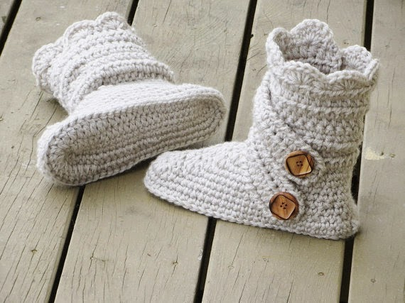 https://www.etsy.com/listing/168135959/crochet-womans-slipper-pattern-boots?ref=favs_view_2