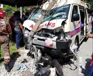 Pelajar Maut Motosikal Bertembung Ambulans - Tingkap Berita