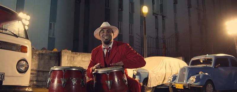 Alain Pérez - ¨Hablando con Juana¨ - Videoclip - Dirección: Joseph Ros. Portal Del Vídeo Clip Cubano - 05