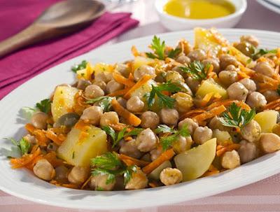 Salada de Grão-de-Bico, Cenoura e Batata (vegana)