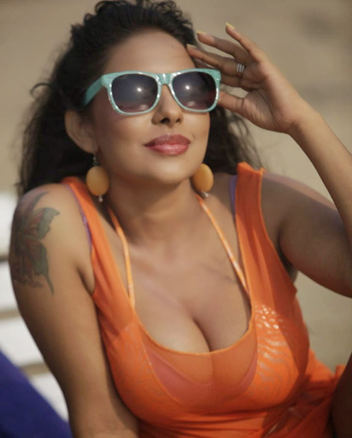 Spark: Gallery: Sreeleekha Mitra Spicy Stills In Goa Beach