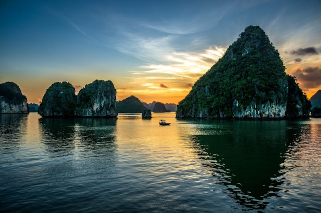The Best Halong Bay Climate for Travelling 1