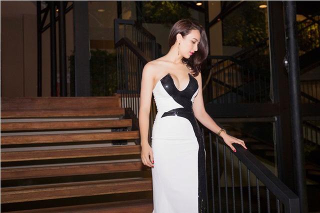 Nữ DJ Hà Thành (Miu Miu) Khoe Đường Cong Nóng Bỏng - Sexy